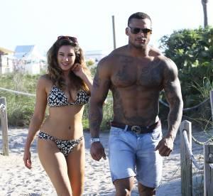 Kelly Brook et son mec à la plage : Musclor et Barbie à Miami !