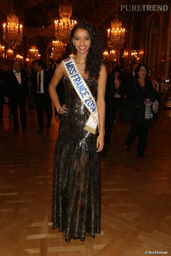 Miss France 2014, Flora Coquerel, au dîner de gala au profit de l' AVEC au Château de Versailles, le 3 février 2014.