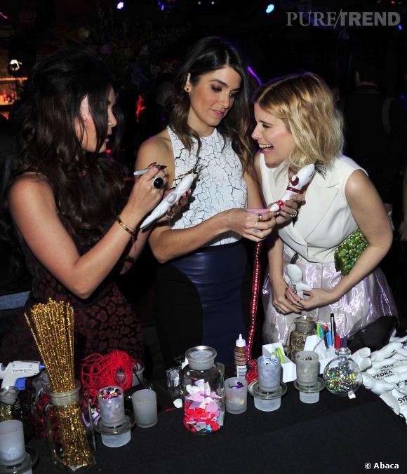 Kate Mara et ses copines célèbrent la Saint Valentin.