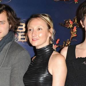 """Audrey Lamy et l'équipe du film """"La Belle et la Bête"""" lors de l'avant-première à Paris, dimanche 9 février."""