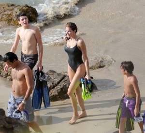 Stephanie Seymour et deux de ses fils, en vacances à Saint-Barthélemy.