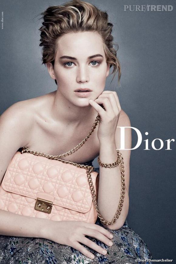 Jennifer Lawrence dans la toute nouvelle campagne Christian Dior shootée par Patrick Demarchelier.