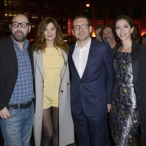 """Le casting de """"Supercondriaque"""" : Kad Merad, Alice Pol, Dany Boon, accompagné de sa compagne Yaël Harris."""