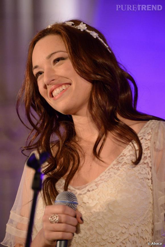 """Natasha St-Pier alors qu'elle cartonne avec son émission dominicale, """"Les chansons d'abord"""", sur France 3 : c'est elle qui est chargé d'annoncer le gagnant qui ira à l'Eurovision 2014 ce dimanche 2 mars 2014 !"""