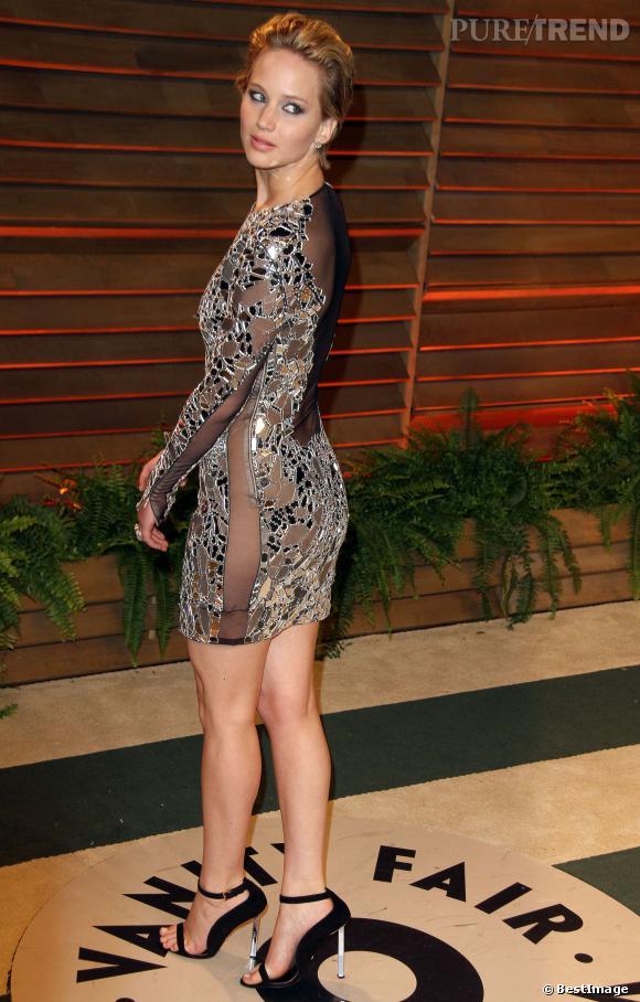 Jennifer Lawrence, toute en courbes à la soirée Vanity Fair post Oscars 2014.