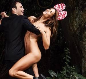Alessandra Ambrosio, toute nue mais en claquettes de piscine pour Vogue Brésil