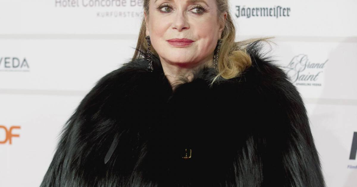 catherine deneuve ne regrette pas sa photo en body puretrend. Black Bedroom Furniture Sets. Home Design Ideas