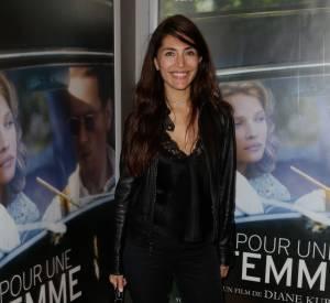 """Caterina Murino à la première du film """"Pour une femme"""", simple mais sexy."""