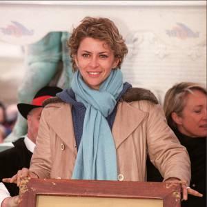Corinne Touzet laisse son empreinte au Cognac Film Festival en 2001.