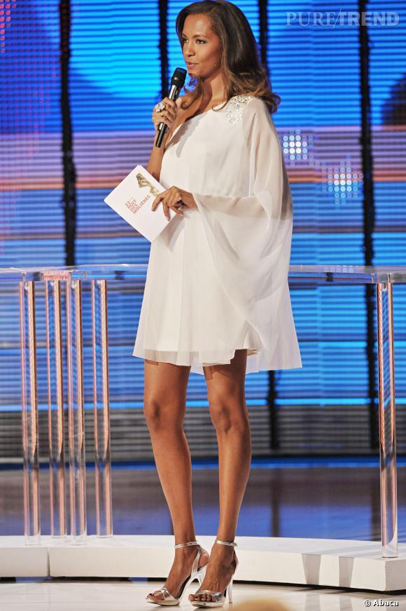 Karine Le Marchand, en 2008, robe vaporeuse et jambes interminables pour la cérémonie des Molières.