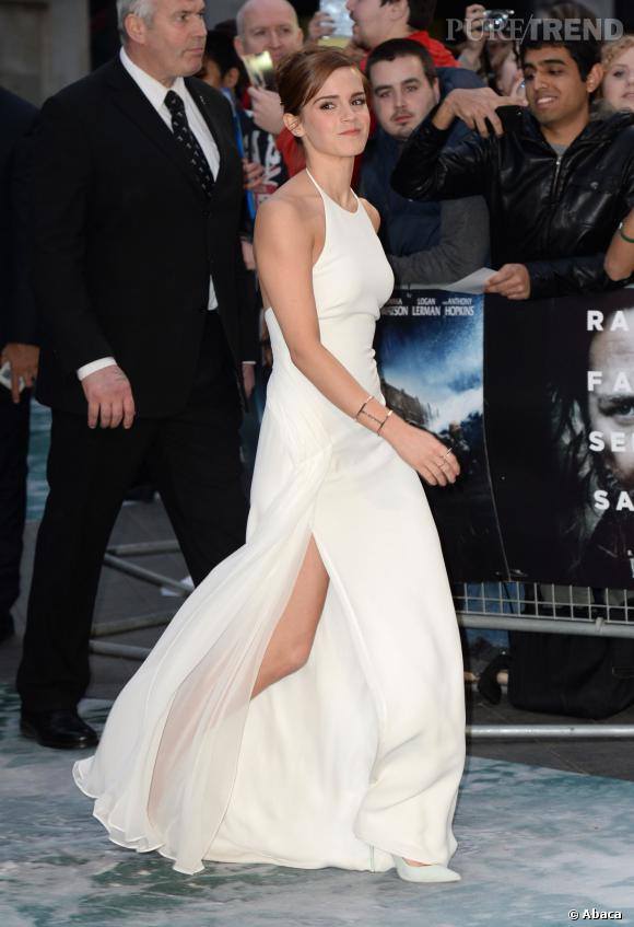 Emma Watson, virginale et sexy dans sa robe fendue Ralph Lauren !