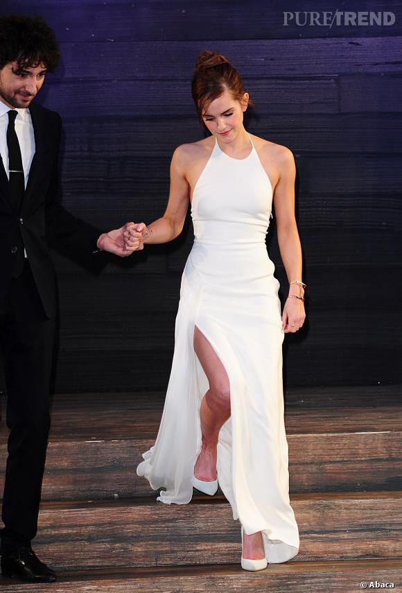 """Emma Watson, un fendu à tomber pour la première de """"Noé"""" à Londres !"""