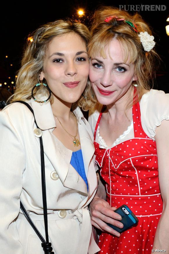 """Alysson Paradis et Julie Depardieu à la première de """"Les yeux jaunes des crocodiles"""" à Paris le 31 mars 2014."""