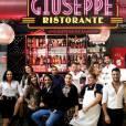"""Giuseppe est à la tête de son dynastie show, """"Giuseppe Ristorante""""... toujours avec sa mère !"""