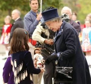 Elizabeth II, la souveraine qui jouait à la poupée