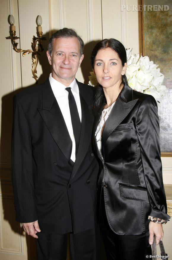 """Cristiana Reali et Francis Huster se donnent la réplique dans la pièce """"Love Letters""""."""