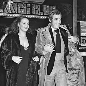 Jean-Paul Belmondo et Laura Antonelli en 1975.