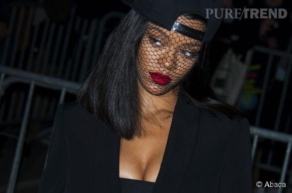 Rihanna toujours plus provoc, elle contre-attaque face à la censure en avril 2014.