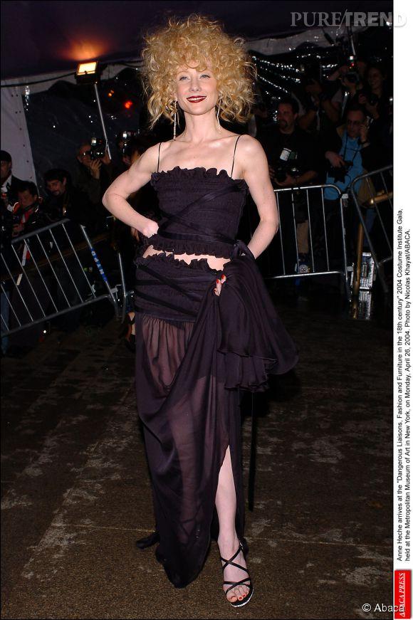 Anne Heche lors du Met Ball 2004.
