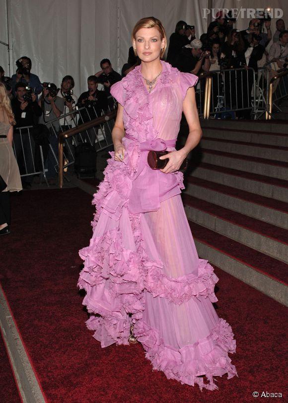 Linda Evangelista lors du Met Ball 2006.