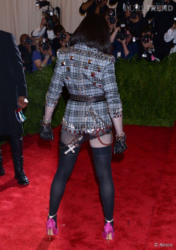 Madonna lors du Met Ball 2013 côté pile.