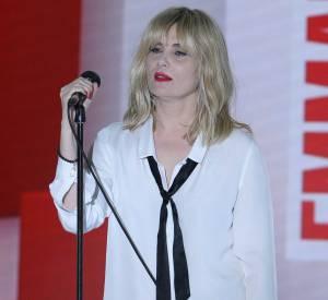 Emanuelle Seigner chante son nouvel album Distant Lover.