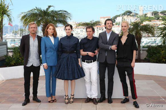 """Jérémie Renier, Léa Seydoux, Amira Casar, Bertrand Bonello, Gaspard Ulliel, Aymeline Valade au Photocall du film """"Saint Laurent"""" à Cannes le 17 mai 2014."""