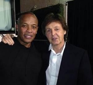 A 71 ans, Paul McCartney reste un mec super cool. Ici il pose avec le rappeur Dr. Dre dans les coulisses des Grammy Awards, le 31 janvier 2014.