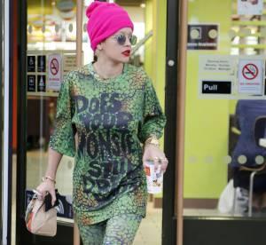 Rita Ora, habillée en Tortue Ninja dans les rues de Londres