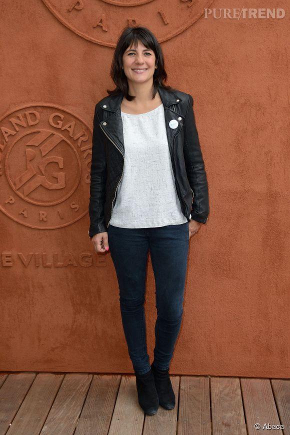Estelle Denis mise sur le cuir pour la 3ème journée de Roland Garros.