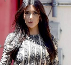 Kim Kardashian, modèle d'élégance dans sa robe Valentino
