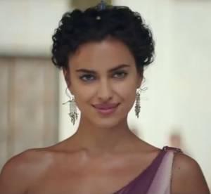Irina Shayk : string doré et oeil de biche, la top montre tout dans Hercule !