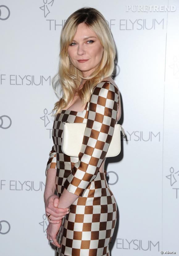 Kirsten Dunst, un minois craquant, enfantin et un look pointu de bête de mode. Maintenant c'est aussi une bombe sexuelle !