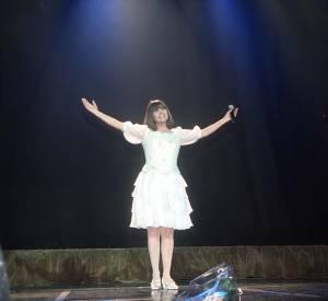 Chantal Goya dans une robe de princesse au grand Rex en 2001.