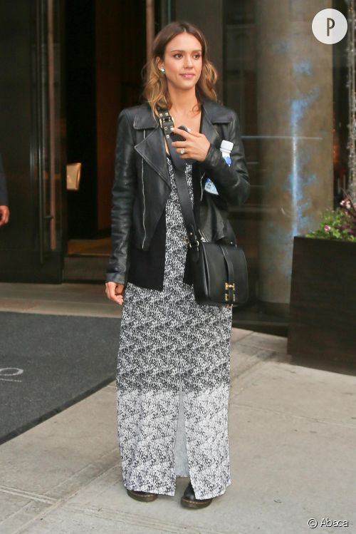 Jessica Alba, rock et sexy : un look à shopper.