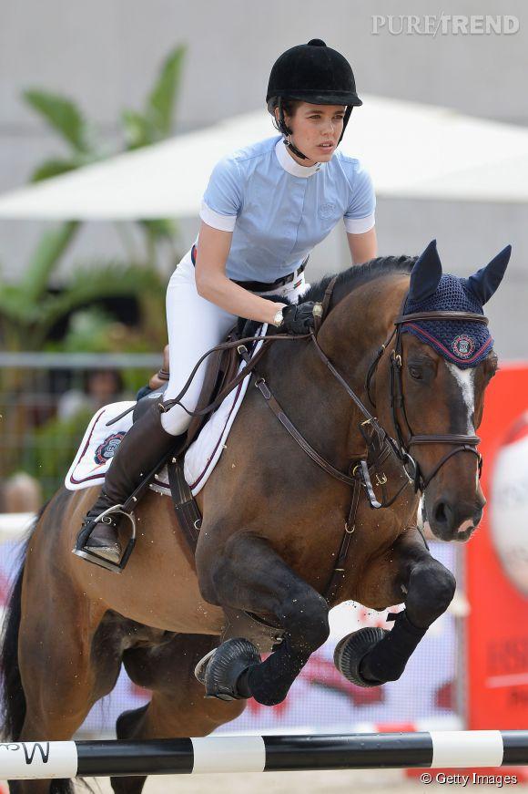Charlotte casiraghi une beaut cheval 6 mois apr s la - Retour de couche 1 mois apres accouchement ...