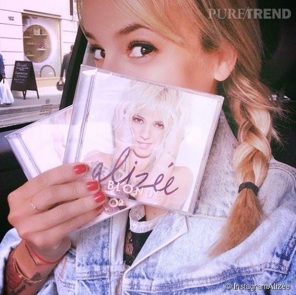 Alizée a fait un très mauvais démarrage avec son album Blonde, seulment 17ème au Top 50...
