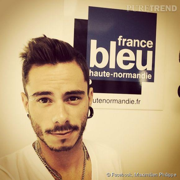 Maximilien Philippe continue de faire sa promo à la radio, après  The Voice  sa carrière continue sur de bons rails.