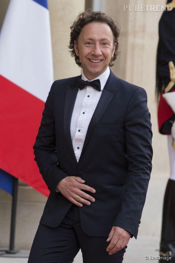 Stéphane Bern parle pour la toute première fois de son homosexualité dans les colonnes du journal Le Parisien.