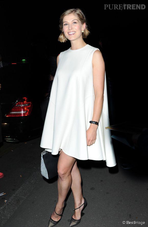 Rosamund Pike, un bébé pour 2014.