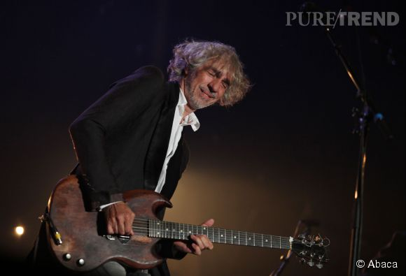 """Louis Bertignac ici en concert au Cannet en 2012. Le buzzeur fou reviendra-t-il dans """"The Voice 4"""" ?"""