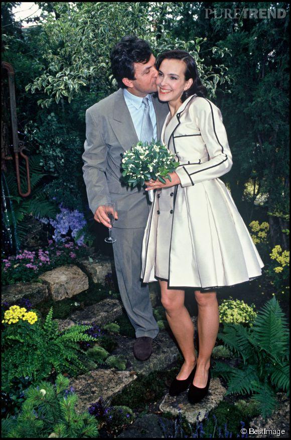Le 22 juin 1991, Carole Bouquet épouse le chercheur Jacques Leibowitch. Une relation dont elle a peu parlé aux médias.