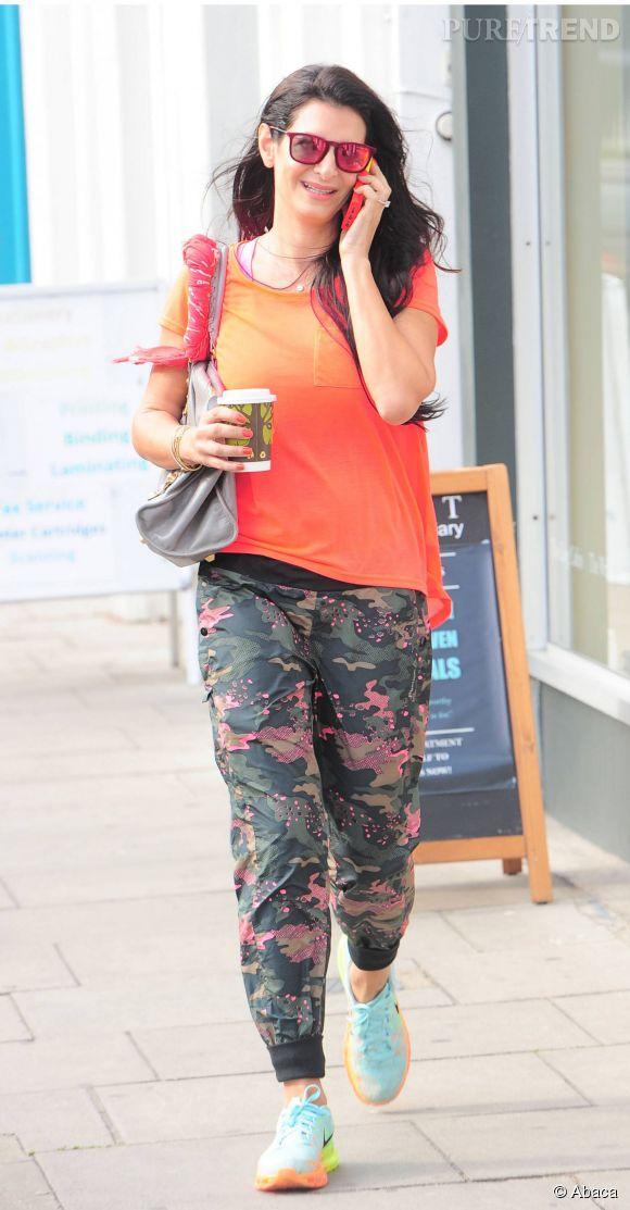 Amal Alamuddin a été prise en photo dans la rue il y a quelques jours. Un cliché surprenant, qui laisse apparaître une petite prise de poids chez la fiancée de George Clooney...