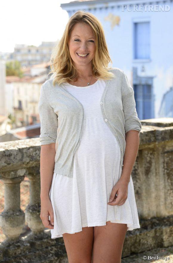 Ludivine Sagnier enceinte et lumineuse au Festival d'Angoulême.