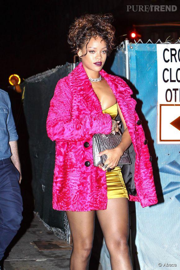 Rihanna, un look qui ne passe pas inaperçu dans les rues de New York le 11 septembre 2014.