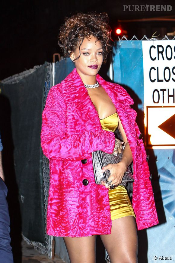 Rihanna ne nous flashe pas pour une fois. Mais on ne sait pas si c'est vraiment mieux...