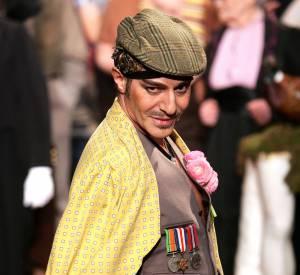 John Galliano lors du final de sa collection éponyme Automne-Hiver 2007/2008.