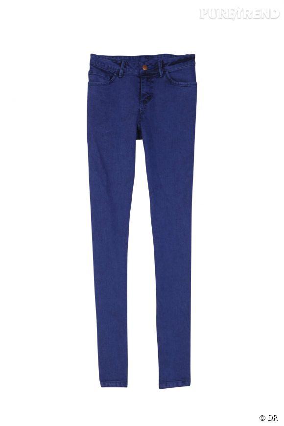 Un must-have intemporel : le jean slim. On l'aime pour son confort et son adaptabilité... Tous les styles lui conviennent, il n'est pas contrariant et c'est pour ça qu'on l'aime plus que tout !