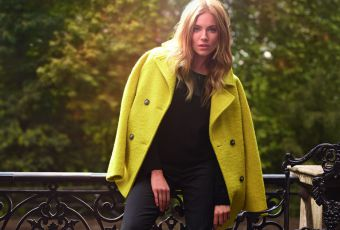 Sienna Miller : Londonienne stylée pour Caroll