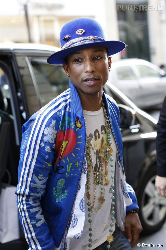 Pharrell Williams à Paris, le 14 octobre 2014. Il porte du crayon noir pour souligner son regard en amande.
